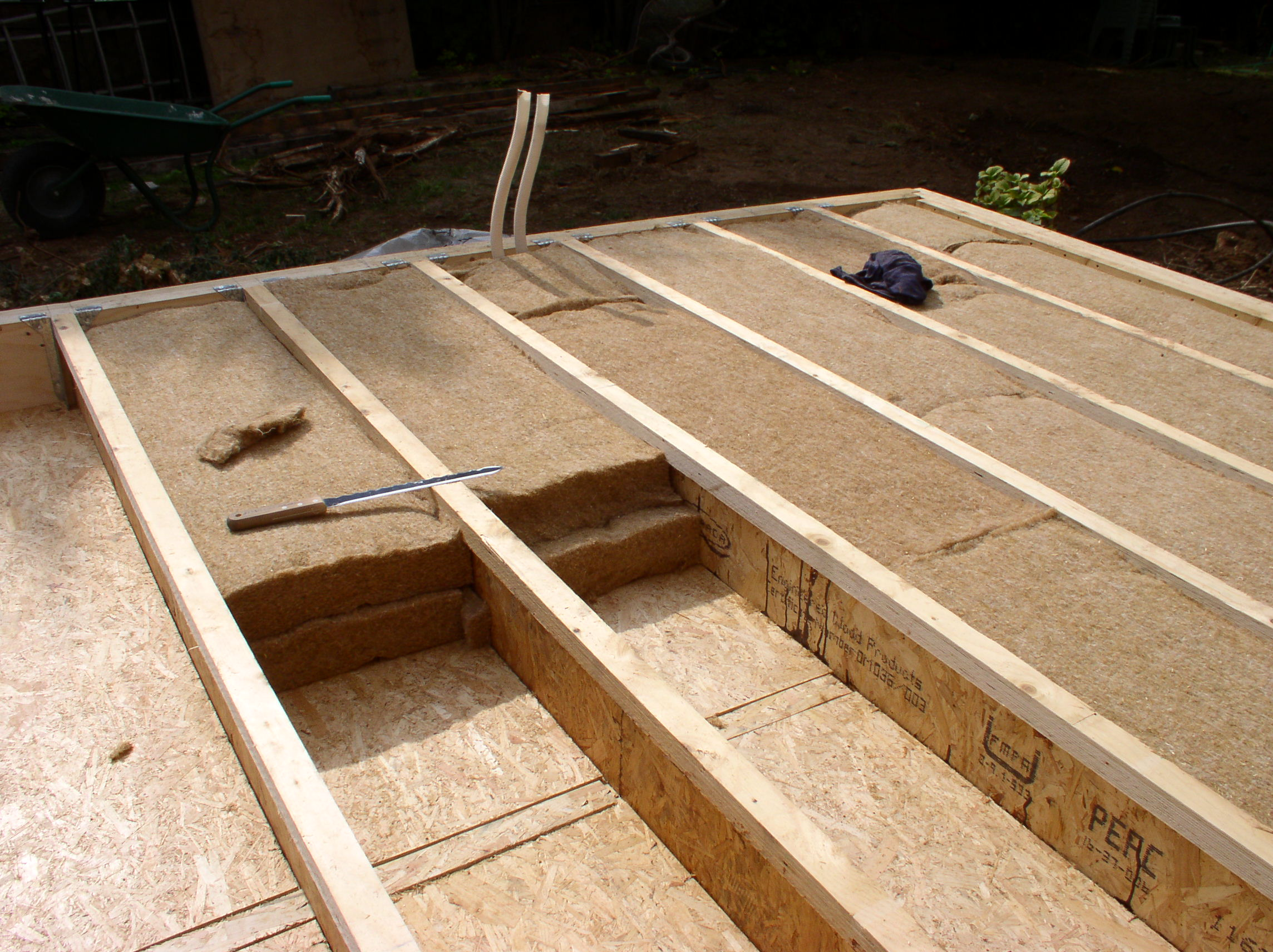 Maison ossature bois sur pilotis espaces syst mes bois for Isolation d un plancher